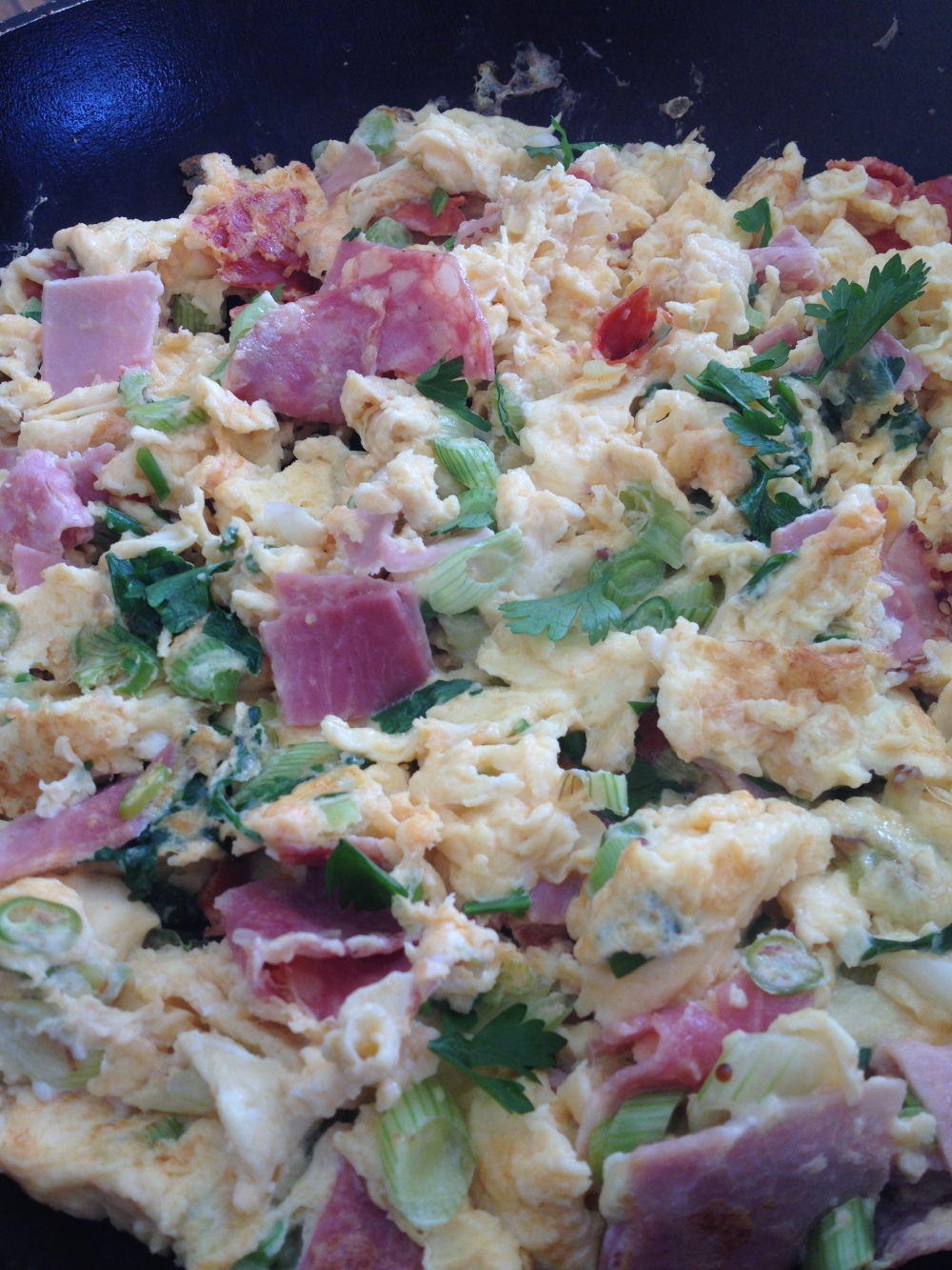 Omlette with parsley and ham